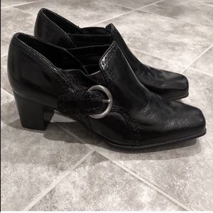🆕 Nickels pull on buckle black ankle booties 8